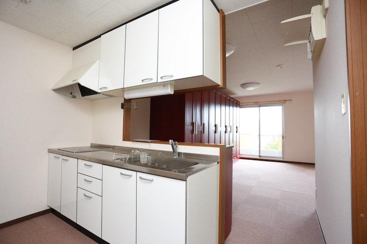居室(世帯部屋キッチン)