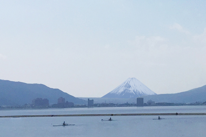 施設前から見える富士山