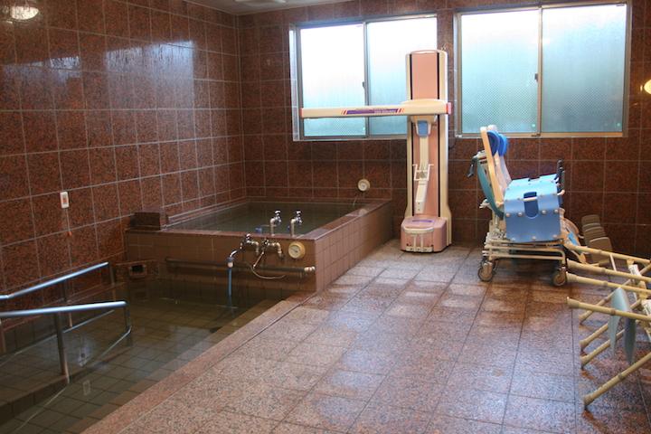 天然温泉-リフト浴