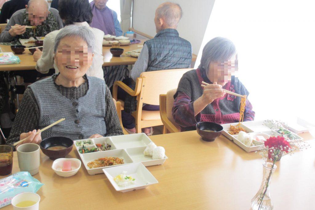 29.5.14さくらの会食事3
